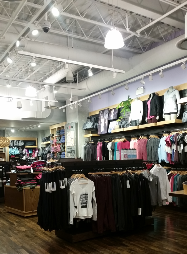 Lululemon Athletica, Square One, Mississauga, ON
